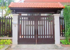 Chiếc cổng nhà