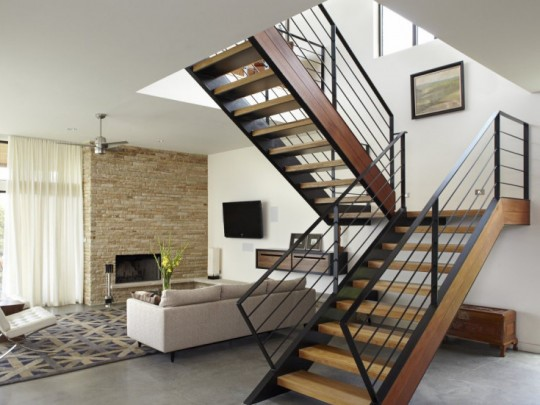 Cầu thang lan can sắt